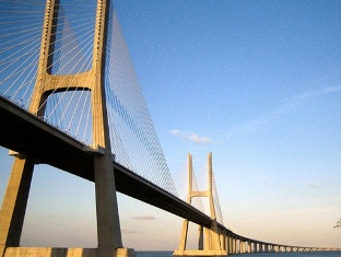 Цена моста через Красное море