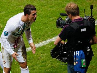 Украинские каналы заработали на футболе €3 млн