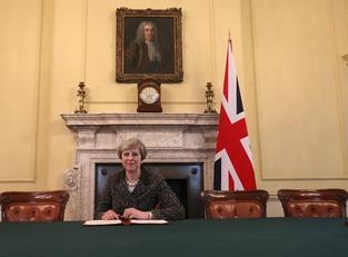 Тереза Мэй уже запустила Brexit
