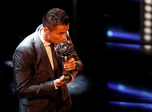 Лучший футболист по версии ФИФА